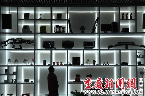 图为重庆浪尖智造工场展示的成品 陈超摄