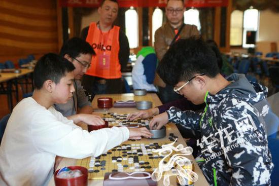 全运会群众比赛项目围棋竞赛重庆市分区总决赛暨2017年重庆市围棋锦标赛也在五一期间举行。记者 李文科 摄