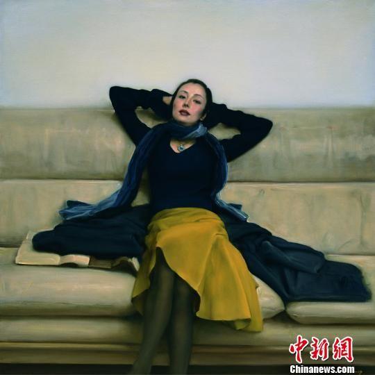 图为将在首届艺术重庆名家名作邀请展上展出的作品《沙发上的女人》,作者为庞茂琨。主办方供图