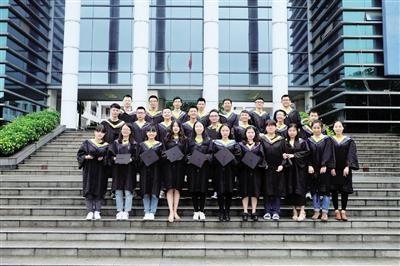 重庆一大学现学霸班:29名学生四年拿19万奖学金
