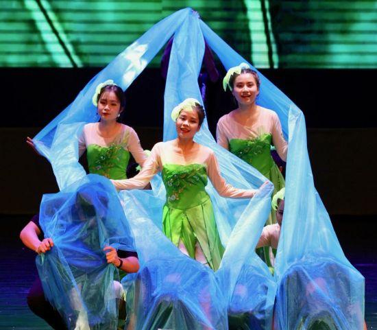 越南学生舞蹈