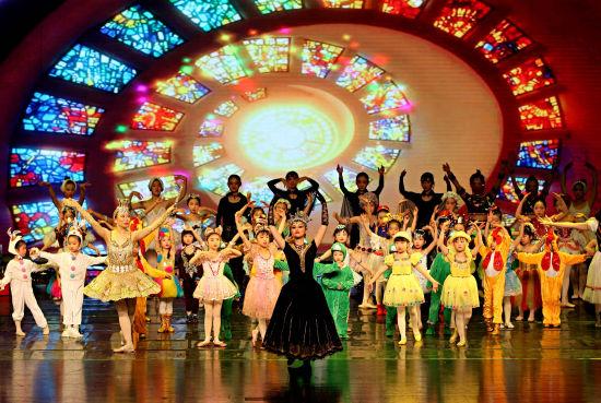 必威原创儿童芭蕾舞剧演出现场