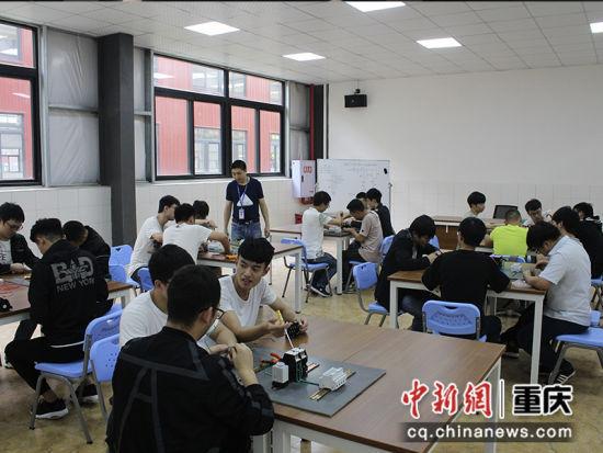 图为 重庆交通职业学院小班化教学课堂。学校供图