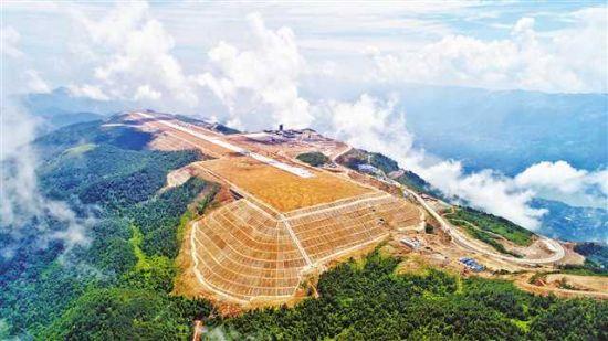 巫山机场鸟瞰。(图片由重庆机场集团提供)