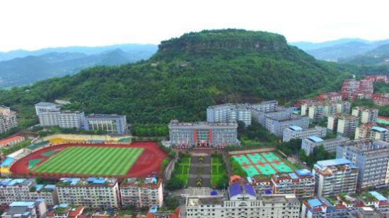 重庆市云阳职业教育中心全貌。中影渝凤文化传媒供图