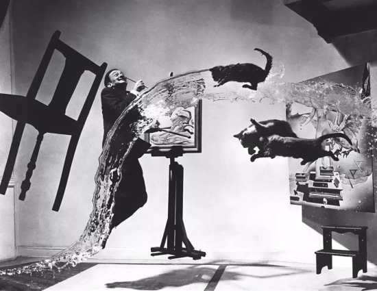 Dalí Atomicus by Philippe Halsman,1948 合景泰富供图
