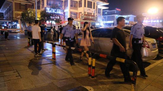 图为警方整治娱乐场所 警方供图