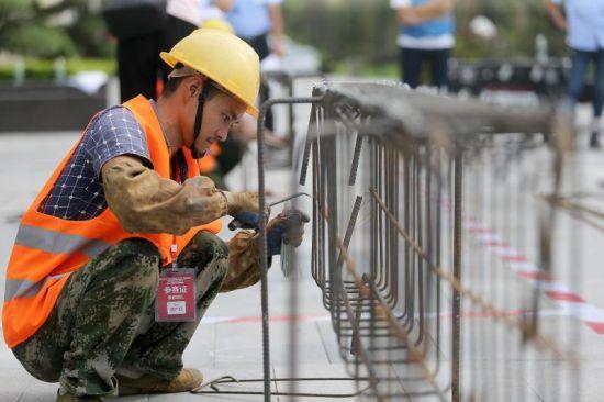 重庆璧山举行建筑交通建设行业职工劳动和技能大赛现场。中建二局西南分公司供图