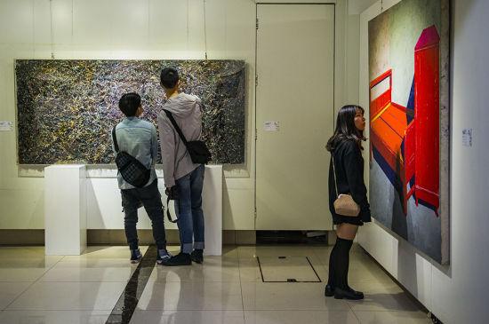 9月13日,重庆市首届综合材料绘画作品展在重庆市文联美术馆开展。记者 齐岚森 摄
