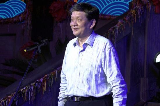 重庆市渝中区委书记黄玉林致开幕辞 张颖绿荞 摄