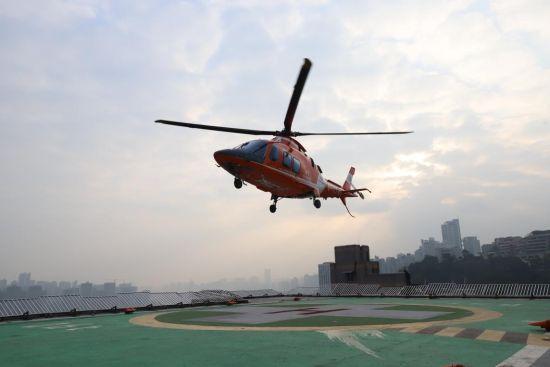 重庆客户山区遇险 人保直升机48分钟极速救援显神威