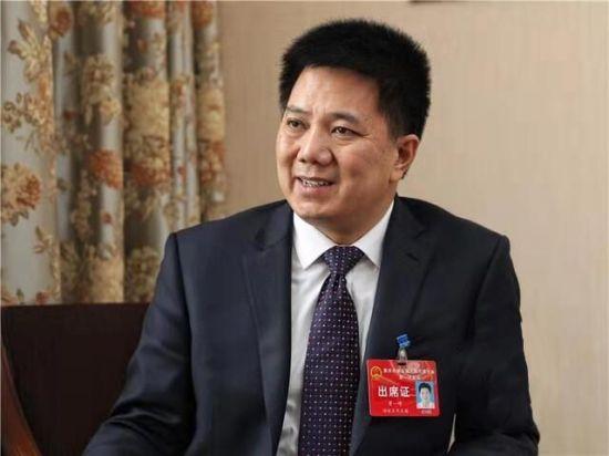 重庆市工商联副主席、重庆市中科控股有限公司董事局主席黄一峰资料图。 受访者供图