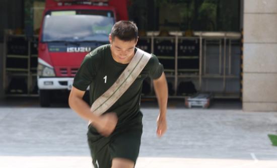 图为谭朗训练画面 重庆消防南岸支队供图