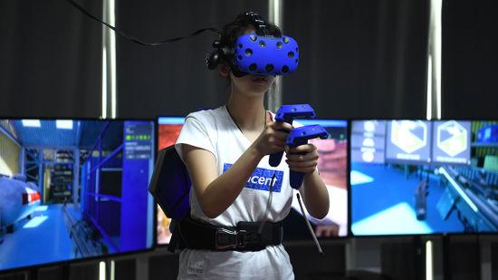 图为VR体验现场。陈超摄