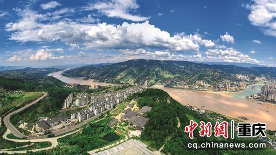 涪陵——乌江门户巴国故都,中国榨菜之乡。这是一座山水之城、文化之城、神奇之城。