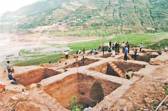 大溪文化遗址发掘现场。