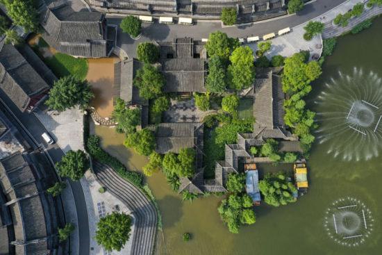 重庆璧山秀湖国家湿地公园仿古建筑群秀湖水街。刘潺 摄