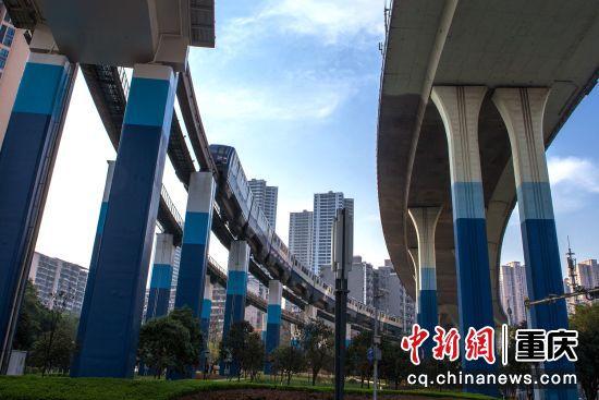 轨道3号线高架桥跨越北滨路