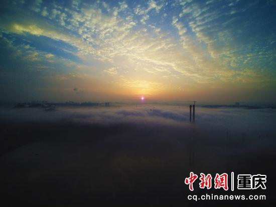 晨雾中的蔡家大桥