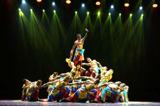 群舞《龙把子》斩获群星奖。重庆市群众艺术馆供图 华龙网发