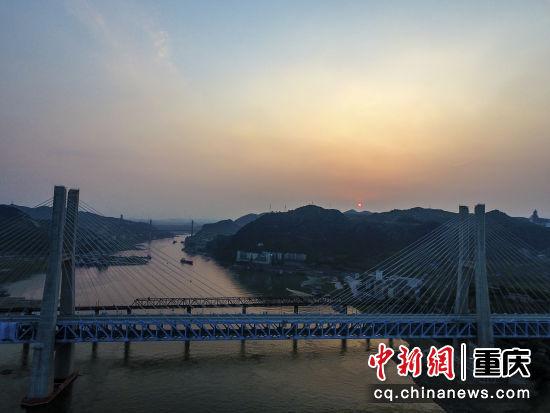 白沙沱长江大桥王云飞 摄