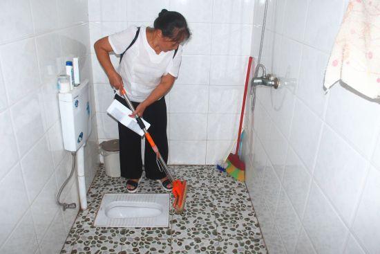 改造一新的卫生厕所。 赵武强 摄