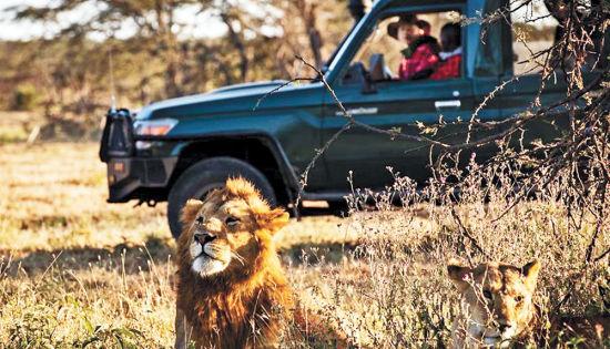 图片为星巴在肯尼亚时的工作照。(图片由受访者提供)