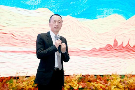 万科集团董事会主席郁亮表示落实构建房地产市场健康发展长效机制正当其时。