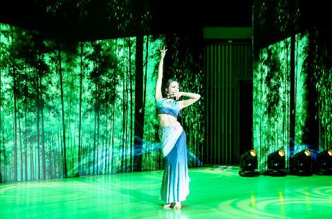 酉阳桃花源第五届桃女郎全国总决赛桃女郎付美拉现场表演
