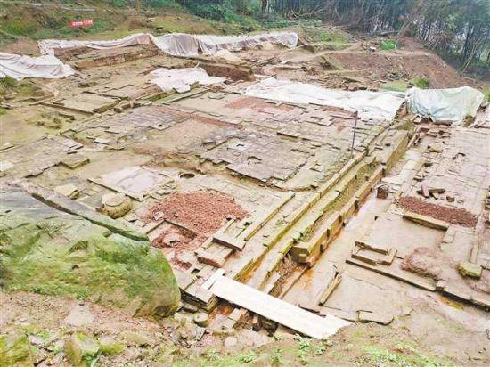 石佛寺遗址考古发掘现场。