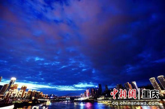 長江兩岸的江北嘴、彈子石美景