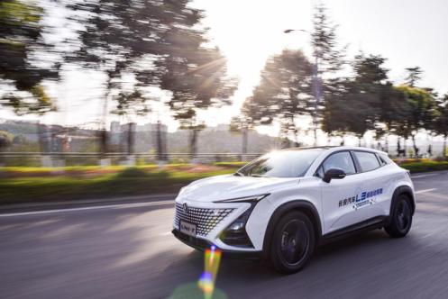 图为长安最新车型UNI-T(引力)在重庆道路上进行L3级自动驾驶。长安供图