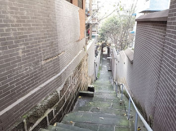 图为幽静的关圣梯。 何浩 摄影