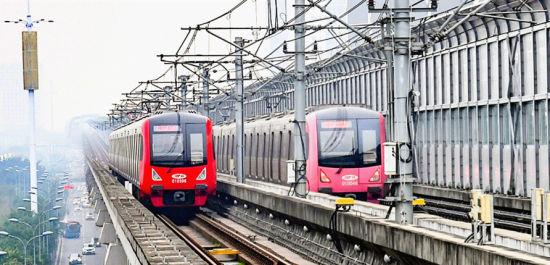 2019年12月30日,真人网上赌钱轨道交通1号线列车开进璧山站。