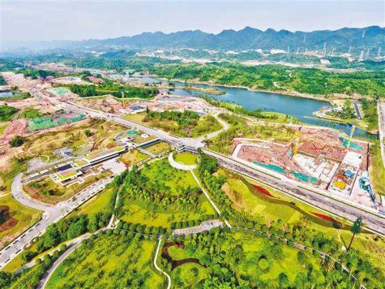 两江协同创新区在建设中将科技与产业、人才、生活场景、山水林田湖草保护融为一体。(5月8日摄)记者 张锦辉 摄/视觉重庆