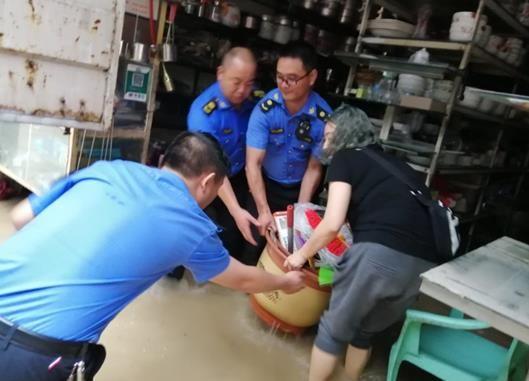《【恒耀平台代理】抗洪救灾暖人心 巫溪市民发感谢信致谢最美逆行者》
