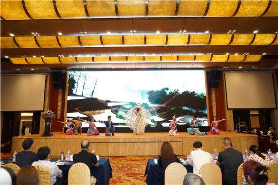 云南风情孔雀舞表演。昆明文旅局供图