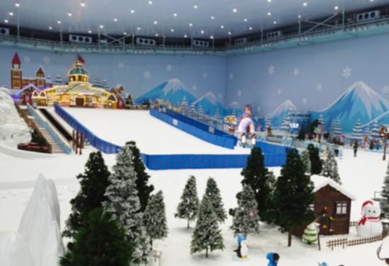 即将对市民开放的重庆最大的室内雪世界。 张质 摄