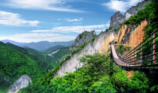 《【恒耀平台主管】重庆开启坐游轮畅游武陵山大裂谷模式》