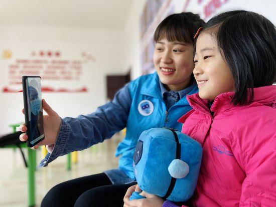 《【恒耀代理平台注册】中建二局西南分公司联合垫江县开展迎新年志愿活动》