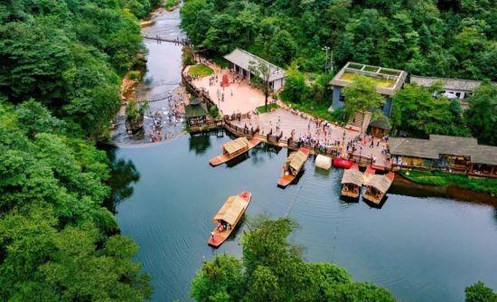 图为成都邛崃天台山景区。邛崃市文化体育和旅游局供图
