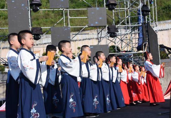 图为开幕式现场。 巫山县旅发集团供图