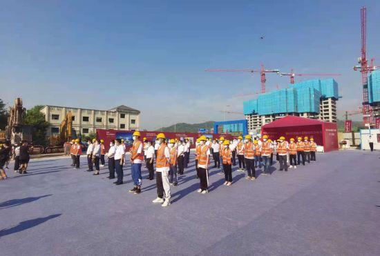 圖為璧山區TOD大型城市綜合體項目奠基儀式現場。羅永皓 攝影