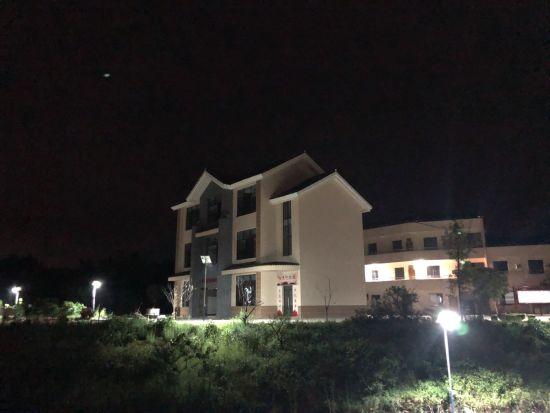 图为安装路灯后的铜梁区石鱼镇兴发村。民建重庆市委会供图