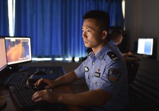 图为民警张振工作照。南岸区警方供图