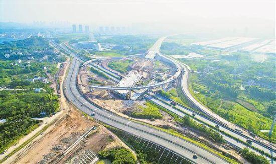 路线全长49公里,起点在走马镇,终点分别与永川大安和成渝高速连接.